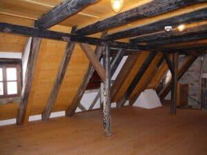 Ist das Dach gut gedämmt ist ein gutes Klima im Dachgeschoss garantiert.