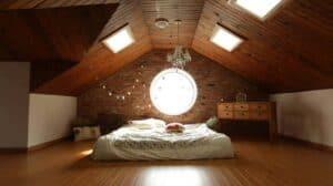 Fördergelder können den Traum vom ausgebauten Dach wahr werden lassen. Hier eine Schlafzimmer-Suite.
