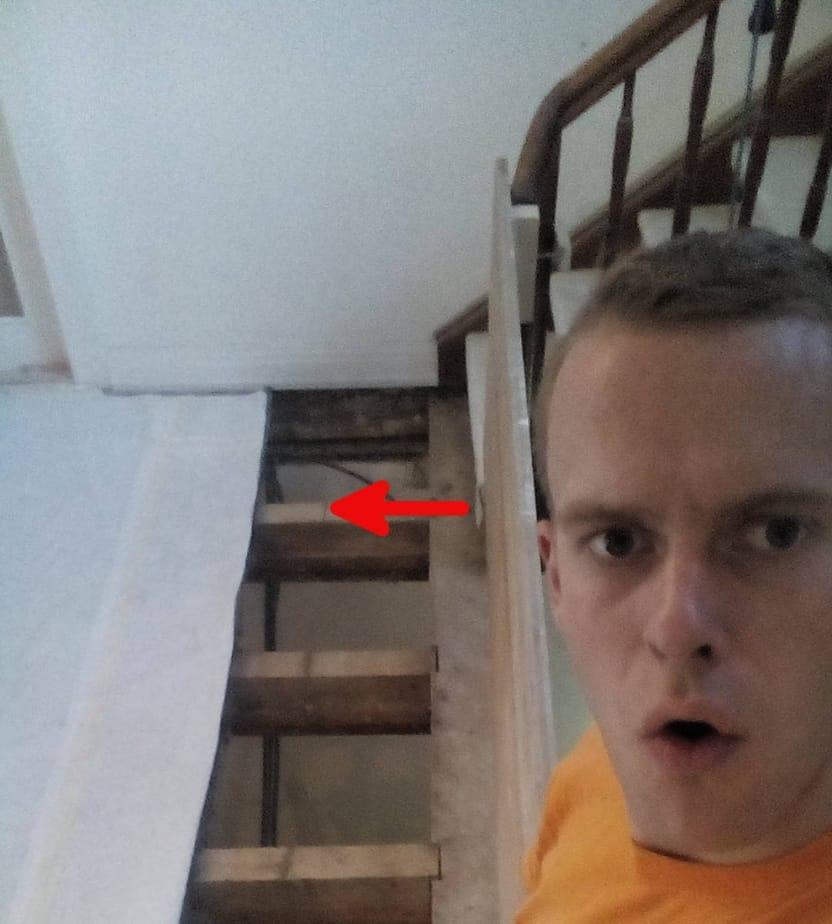 Bestehendes Treppenauge mithilfe von Balkenschuhen versetzen