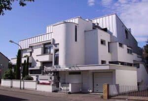 Ein Architektenhaus - hier ähnlich einer Festung.