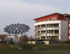 Ein energiesparendes Mehrfamilienhaus mit Solaranlage