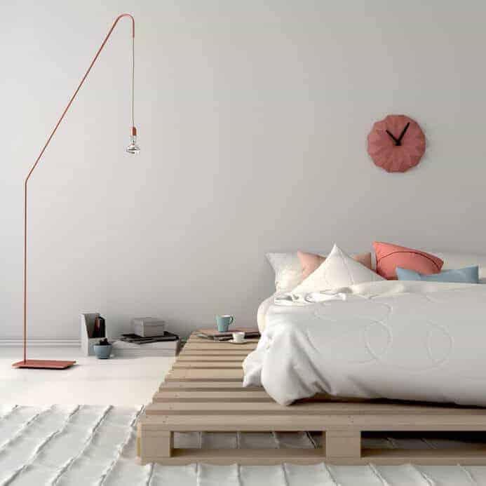 In 3 Stunden ein Bett aus Europaletten bauen | BAUBEAVER