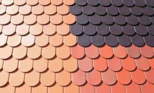 Einige Farbbeispiele für Dachziegel. Die Grundierung sorgt für guten Halt.