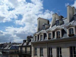 Mandarddächer in Paris