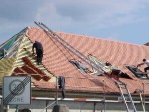 Dacheindeckung eines Neubaus