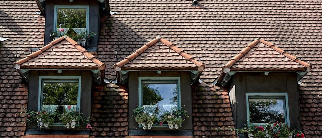 Bei Pfettendächern, lassen sich Gauben, Dachfenster oder Dachterassen leichter konstruieren.
