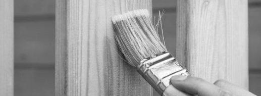 Holz lackieren und lasieren – mit und ohne Abschleifen