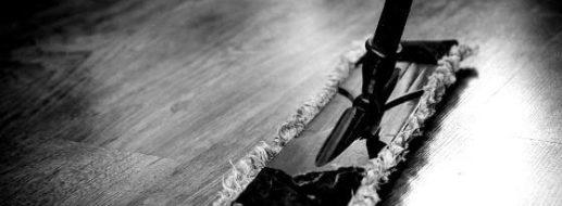 4 günstige Profi-Tipps zum Reinigen von Holz