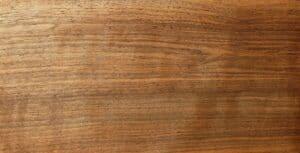 Maserung des Nussbaumholzes