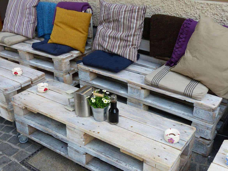 Palettenm bel aus europaletten selber bauen baubeaver for Sofa aus europaletten