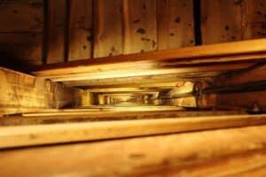 Treppenauge einer Holztreppe