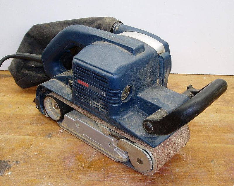 Handheld belt sander uses
