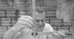 zollstock-meterstab-trick-winkelmesser-grau